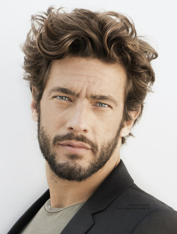 coiffure homme cheveux epais visage long