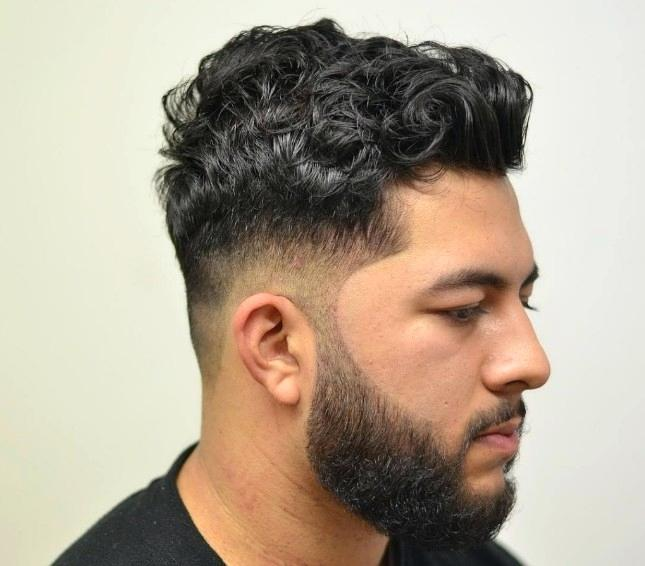 coiffure homme noir boucle