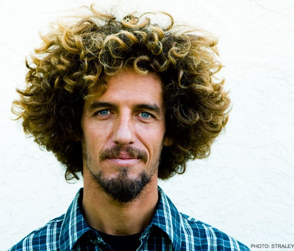 coiffure homme surfeur