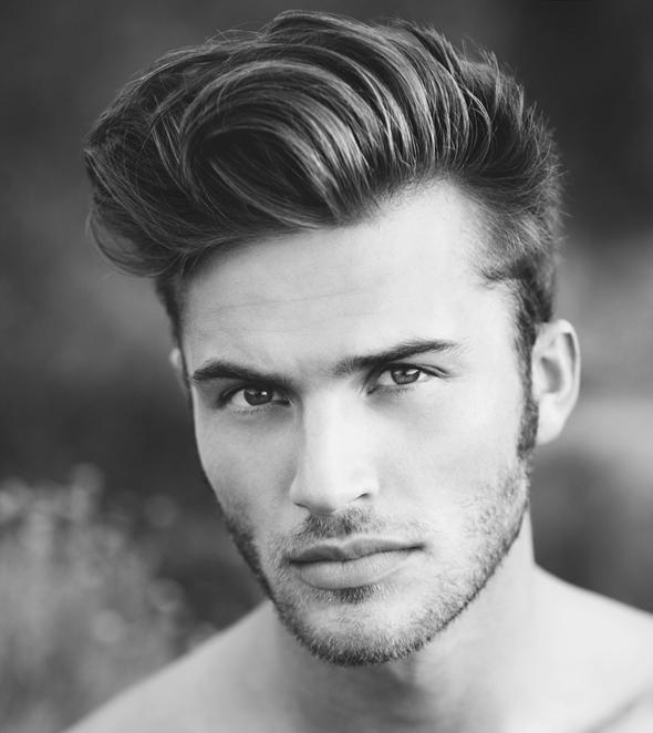 coupe de cheveux homme avec un grand nez