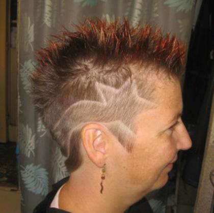 coupe de cheveux homme court tribal