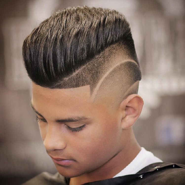 coupe de cheveux homme degrade court avec trait