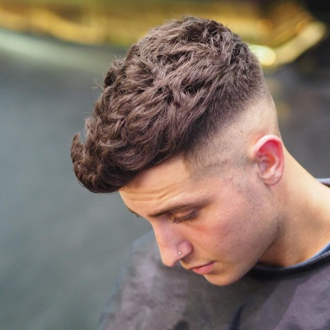 coupe de cheveux homme degrade haut