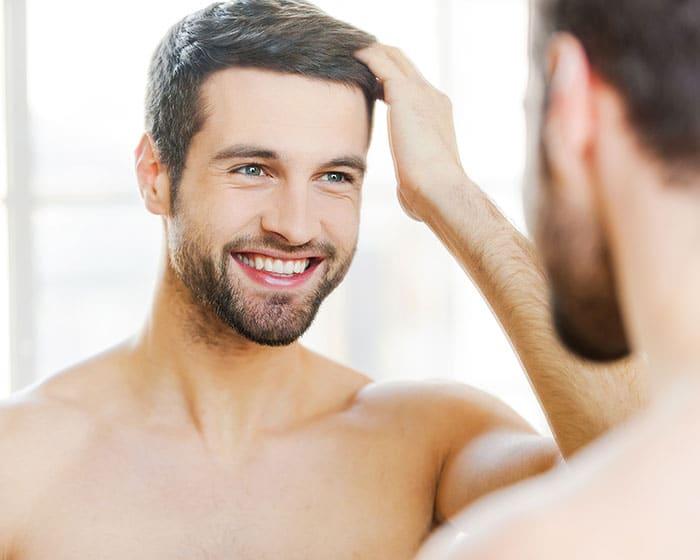 coupe de cheveux homme gros sourcils