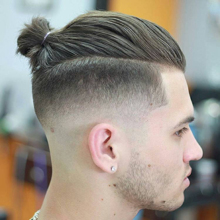 coupe de cheveux homme queue de cheval degrade