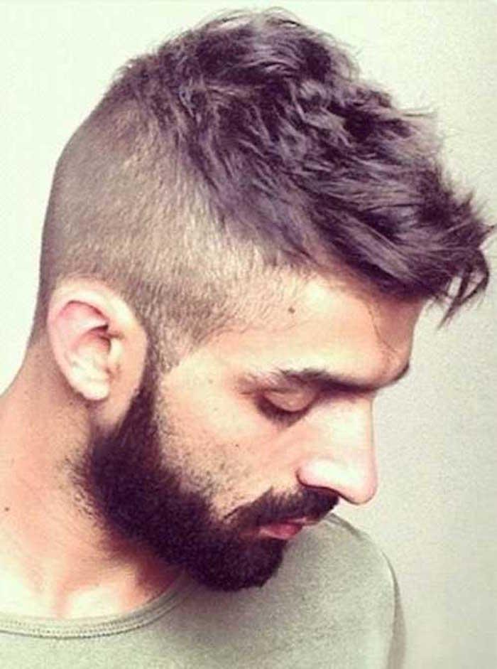 coupe de cheveux homme rase a blanc sur les cote