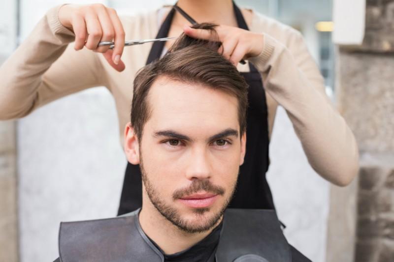 coiffure homme pour grand front